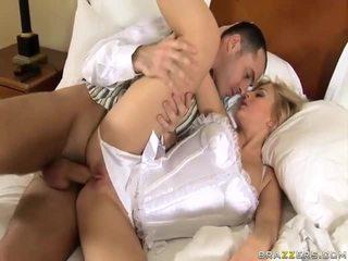 Anāls sekss ar šī skaistule males