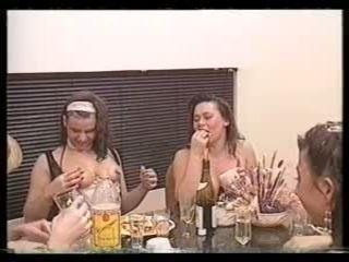 блондинки, лесбіянки, збір винограду