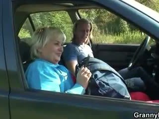 Old bitch gets nailed in the car by a ...