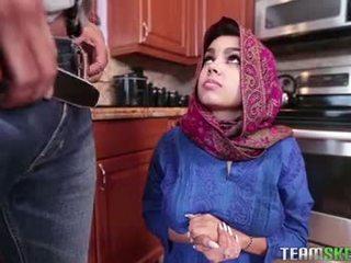 Cycate arab nastolatka gets a gorące sperma filling