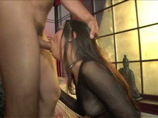Nyomi zen lusty aziatisch babe doing een hard penis nemen omhoog met de tong