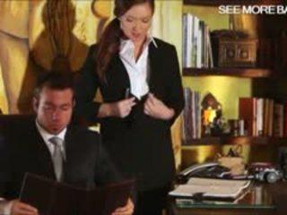 Slutty tajemník maddy oreilly glamcore scéna na the psací stůl