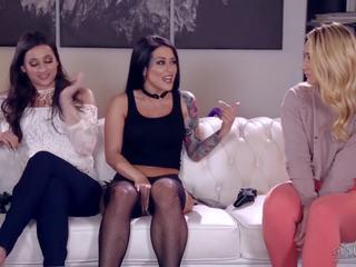 Solis sisters sharing cinderella, bezmaksas hd porno 3a