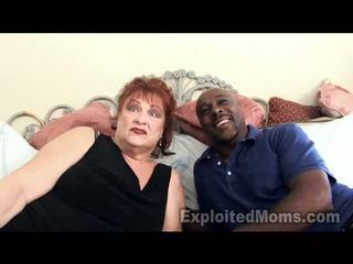 Grootmoeder gets vulva pounded door groot ebony thang