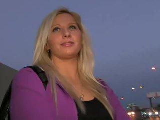 Blond amateur sabina pounded im öffentlich