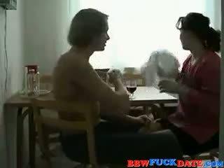 Russisch mollig vrouw en jong jongen 2