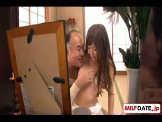 Japanilainen kimainen vanha isä sisään laki