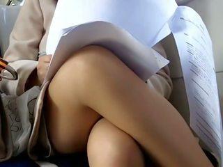 Debaixo da saia em comboio escondido câmara voyeur 5, porno 8a