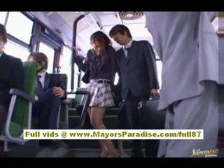 Nao yoshizaki seksuālā aziāti pusaudze par the autobuss