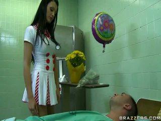 Seksuālā ārsts gatavs līdz padarīt laimīgs viņai pacients uncovered