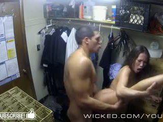 Jahat - kalina ryu gets fucked dalam yang closet