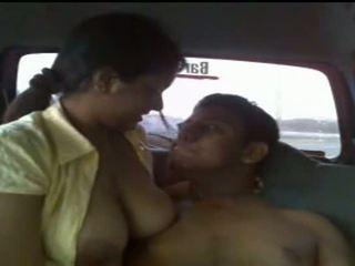Skaties reāls lanka sekss video - publicly taped seksuālā pusaudze pāris