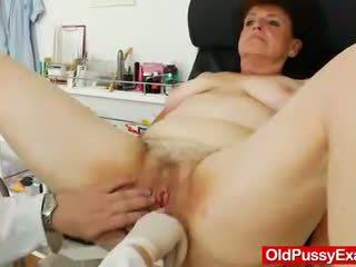 Jāšanās hole examination plus a basty grandmother
