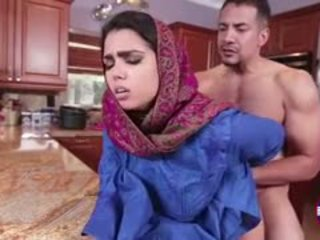 Ada sanchez gets 他媽的 在 該 廚房