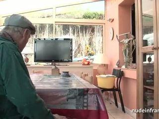 Agradável titted francesa morena banged por papy voyeur