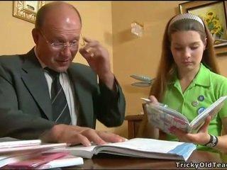 I eksituar mësues seducing adoleshent