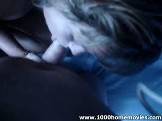 Blond babe chick klap extractingjob ze loves naar zuigen extracting haar jongen vriend door moon