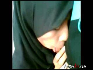 Indonsian Hijab Gf Sucking Outdoor