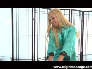 Aaliyah liefde lesbisch massage