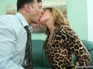 Pleading voor haar naar houden hem op door licking haar poesje