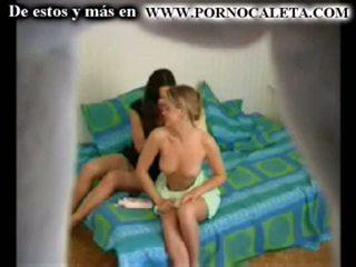 Camara oculta ل mi hermana y su amiga parte 1 wwwpornocal