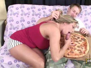 Weenie loving وقحة amber lynn bach fills لها fascinating فم مع ل غض شاق كوك