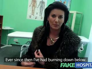 Fakehospital スマート 成熟した セクシー 熟女 has a セックス confession