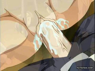 Milzīgs apaļš krūtis hentai anime spies parade