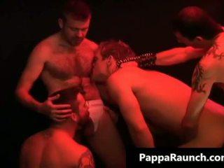 Verbazingwekkend homo scène met ontzagwekkend orgie