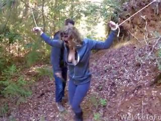 Punishing một số chó trong các rừng và fucking cô ấy senseless