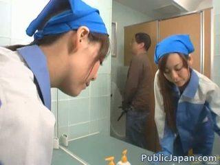 Azjatyckie executive dziewczyna fucked w a publiczne autobus darmowe wideo