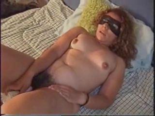 Harig rijpere mam masturbates en cums, hd porno ed