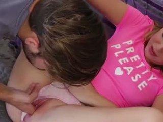 Loira jovem grávida charli gets filled com ejaculações