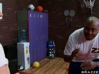 Diamond foxxx gets arsch gefickt von ein student bei fitnesscenter video