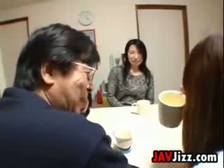 Japoneze mdtq masturbim në the tryezë