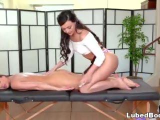 Stressed-out bedrijf vrouwen visits de spa: gratis hd porno cc