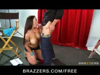 Big-natural-tit brunette Melina Mason ...