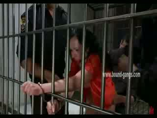 Gagged brunet inmate gets her gyzyň bampery aggressively fucked by a bunch of künti officers