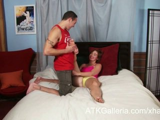 Jodi taylor enjoys jej anal i rubs w sperma
