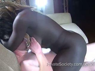 Orang hitam gadis fucks sebuah orang twice dia usia