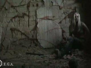 Leger meisjes in leatherpants using lethal 02