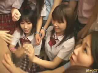 Japonais mère teaching voisin filles comment à baise vidéo