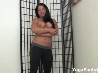 Richelle Ryan's big ass in yoga pants!