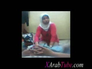 Hijab tič masaža
