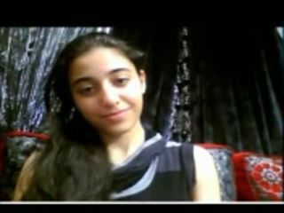 Miela indiškas paauglys shows jos įtemptas putė apie internetinė kamera