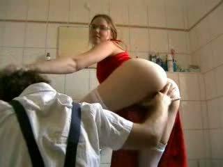 Blondinė pakliuvom iki the plumber video