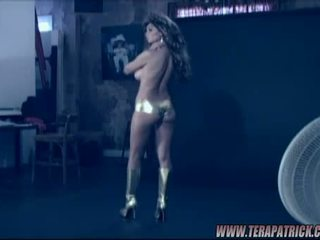 Tera Patrick Shows Her Exposed And Hot Body On The Scene