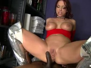 Lusty Cougar Nikki Hunter Rides Her OutstAnding Wazoo Tunnel On A Juciy Thellock Nob