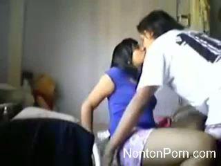 Indo cặp vợ chồng trên webcam