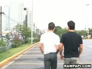 Latin gay barebacking dengan besar berotot lelaki